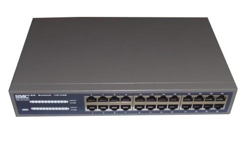 Swtch SMC-EZ1024DT 24 ports 10/100 Mbps